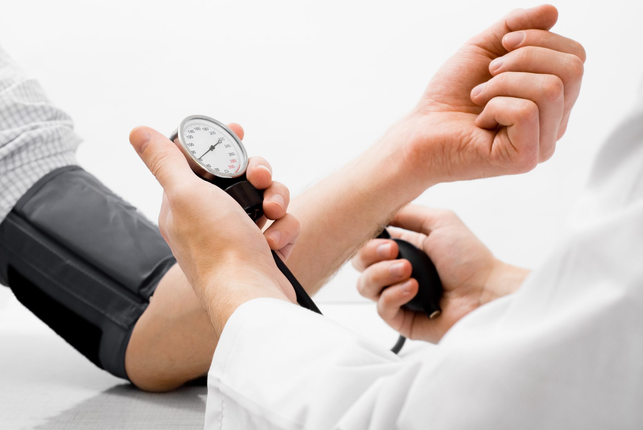 Con una pesquisa de presión arterial en la UTU de Nueva Helvecia continúa la Semana del Corazón en CAMEC