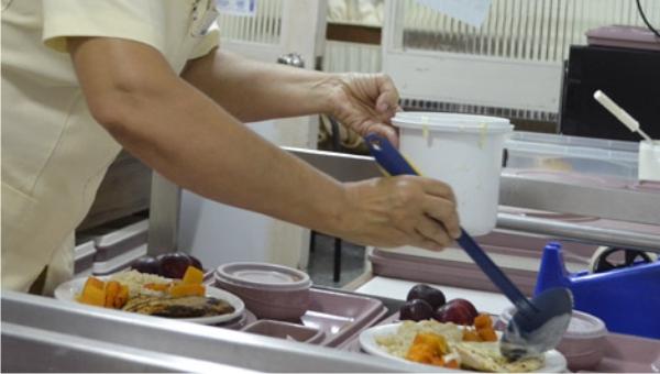 Charla sobre alimentación saludable se realiza en la tarde del jueves en el Liceo Agustín Urbano Indart Cucuchet