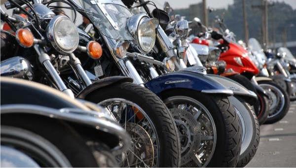Caravana de motoqueros y caminata en Rosario en el inicio del cierre de mayo amarillo