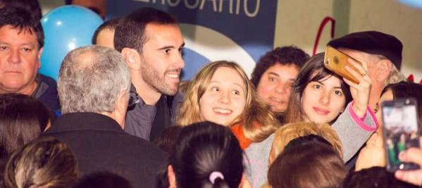 CAMEC y el pueblo rosarino recibieron a Diego Godín