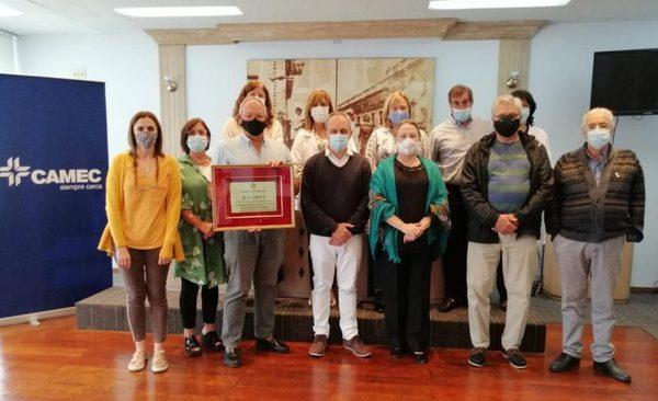 Rotary Club Rosario entregó reconocimiento a CAMEC por nuestros 50 años